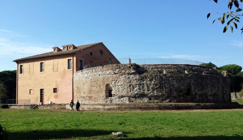 Tomba di Romolo 002